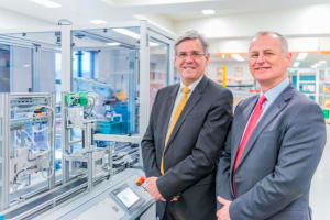Jeff Connolly (L) and Prof Aleksandar Subic at the announcement of Siemens' $135m industrial software grant to Swinburne University of Technology. Credit: Siemens Australia