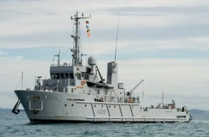 RNZN's mine countermeasures and diving support vessel HMNZS Manawanui.