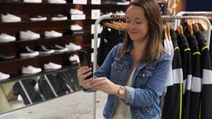 Optus gives shoppers a taste of a 5G future
