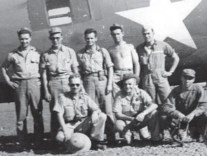 Sergeant Allan Thompson, front and centre, with Captain Paul Cool's crew. (Paul Cool Collection)