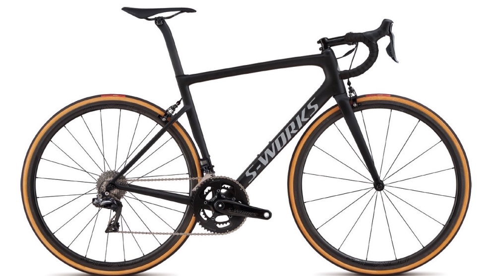 The 2018 Specialized Tarmac features a 733gram frameweight, will be available in a 6.17kg build and accommodates up to 30mm tyres.