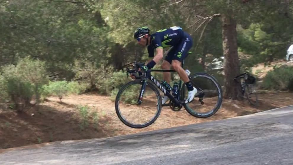 Movistar rider and veteran pro Alejandro Valverde jumps a rough section of road while descending at speed during a race in Spain over the weekend. Image: YouTube.