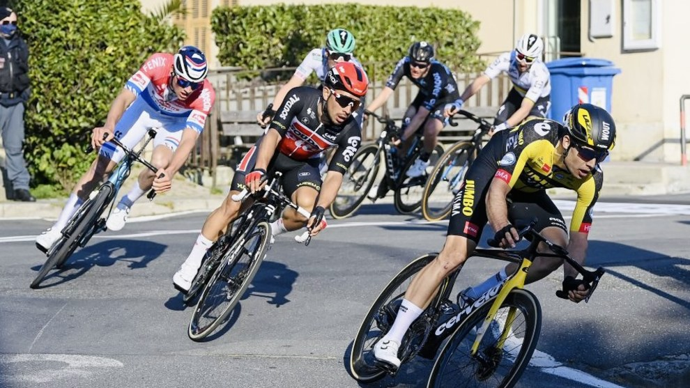 Caleb Ewan during the closing stages of the 2021 Milan San Remo. Image: Lotto Soudal