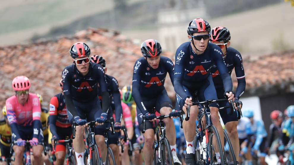 Cam Wurf on the front for Team Ineos and race leader Richard Carapaz during the 2020 Vuelta. Image: Sirotti.