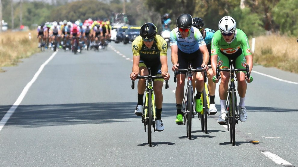 A revised 2021 Tour Down Under program will inlcude 4-stage men's & women's NRS racing. Image: National Road Series / Con Chronis