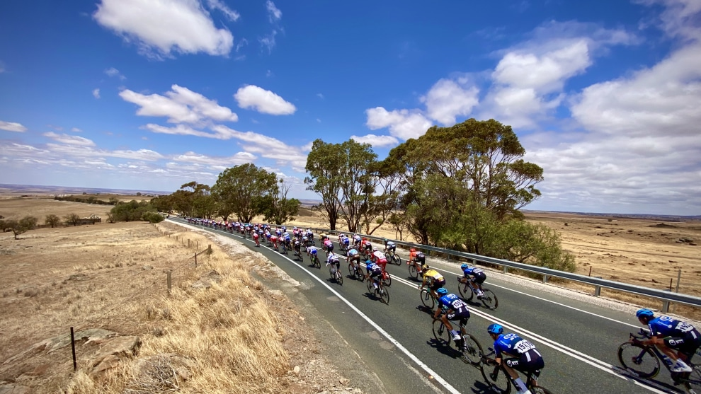 Around 40kms from the finish in Murray Bridge riders enjoyed a fast descent through open farmlands. Image: Nat Bromhead.