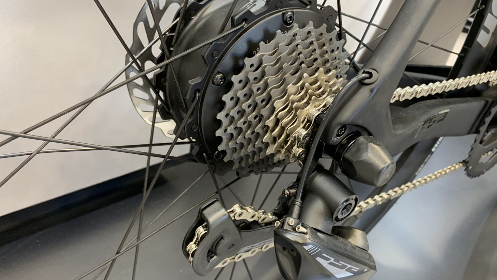 A closer look at the FSA e-road hub-based motor.