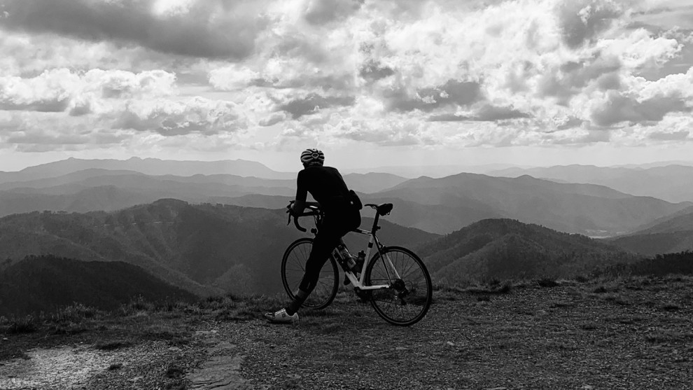 Davin Harding takes in the view before tackling one of the final climbs on the way to Mount Hotham.