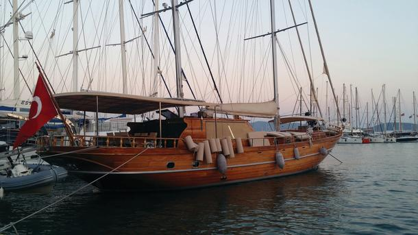 The gulets are based on traditional Turkish style sailing vessels and Bodrum and Bozburun are the major shipyards for their production.