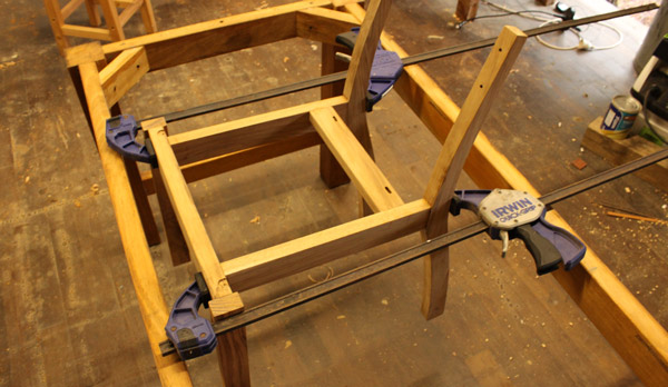 5.gluing-the-rear-legs-in-place.-check-everything-is-parallel1.jpg