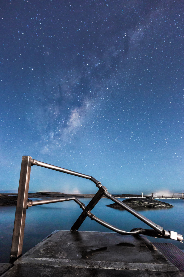 Astrophotography from Curl Curl, Sydney. Canon 5D Mark III with Carl Zeiss @ f3.5 ISO 3200, 30 seconds.