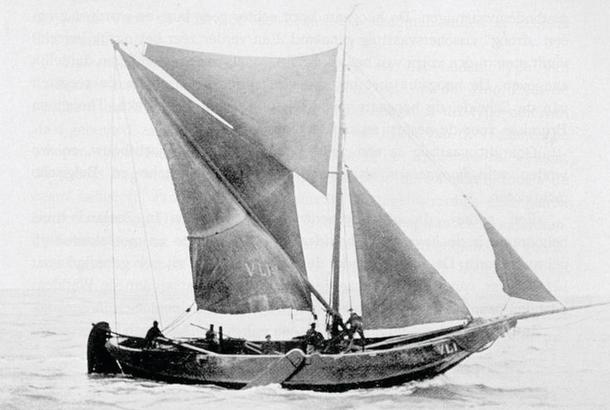 An example of the spritsail.