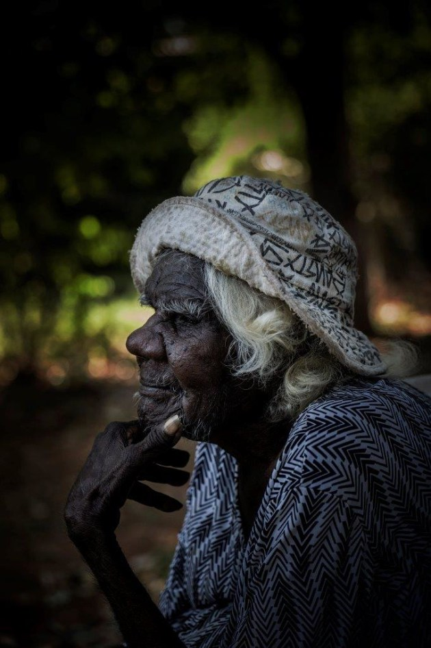 Indigenous artist, Daisy at her home in the Kimberley region of Western Australia. Shot for Oxfam. © Tony McDonough.