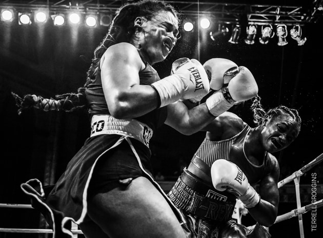 Shields Strikes Back. Olympic champion Claressa Shields (right) meets Hanna Gabriels in a boxing match at the Masonic Temple in Detroit, Michigan, USA, on 22 June. © Terrell Groggins