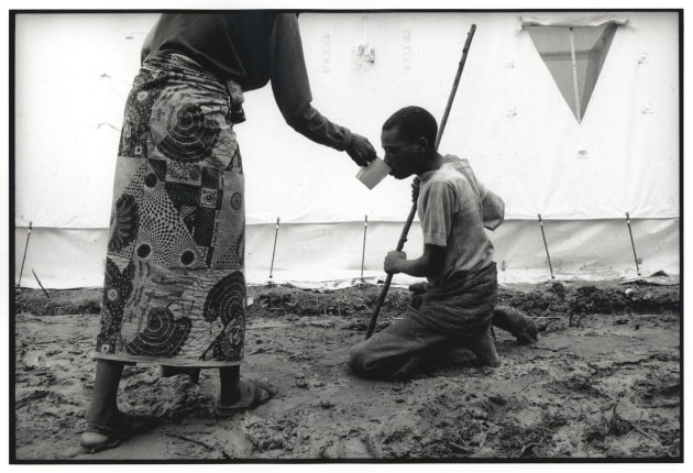 © Gary Knight. Hutu refugees from Rwanda in  Zaire (now the Democratic Republic of Congo), April 1997.