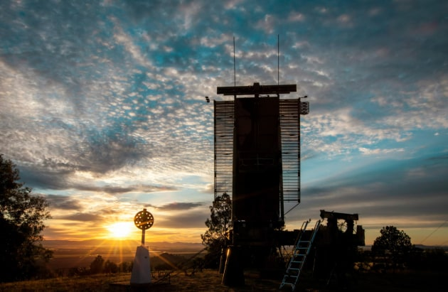 Sunrise at the AN/TPS-77 Tactical Air Defence Radar System situated on a ridge near Gunnedah, New South Wales. (Defence)