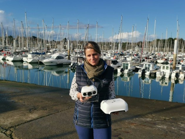 OSCAR's two units: the masthead cameras (0.8kg) and down below processor (1.5kg). Photo ©: BSB Marine.