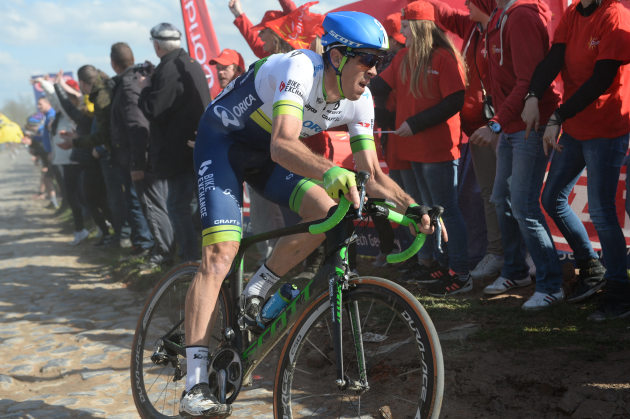 Hayman on his Scott Foil, and on his way to winning the 2016 Paris-Roubaix. Photo by Sirotti.