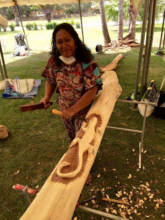 Cecile---Woodcarver-visiting-for-Wood-Expo-from-Mont-Dore.JPG
