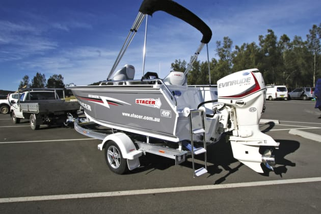 The 90hp E-TEC provides more than enough power and adds to the boat's sporty design.