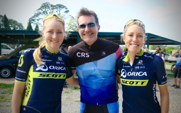 Orica-Scott riders Gracie Elvin & Rachel Neylan with John Aiken before the Cromehurst ride.
