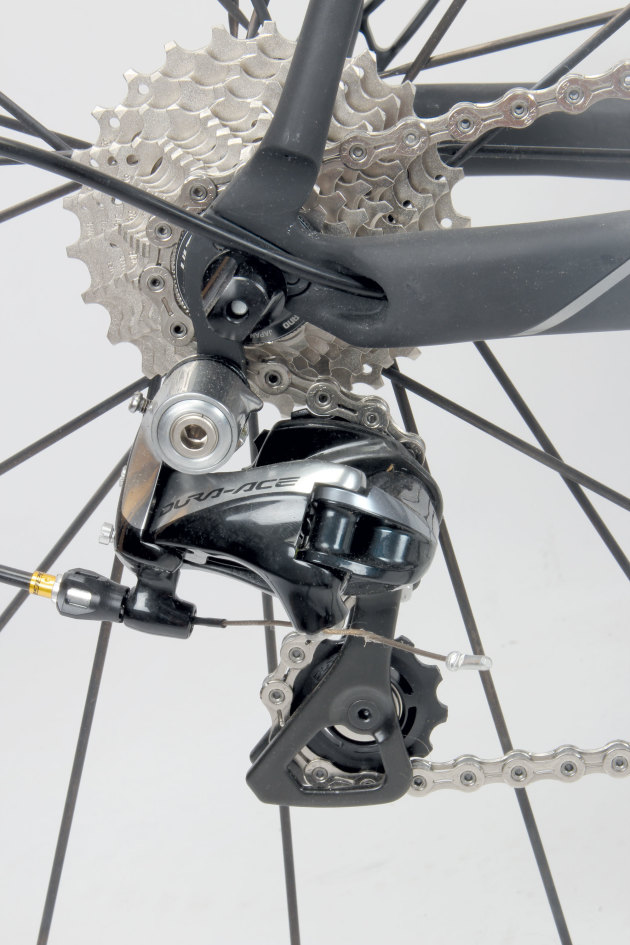 Rear derailleur cable exits the chain stay very neatly.
