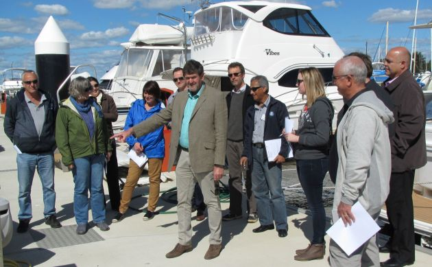 Allan Cayzer (centre) lecturing at the MIA Intermediate Marina Management course in Perth as part of his continuing professional development program.