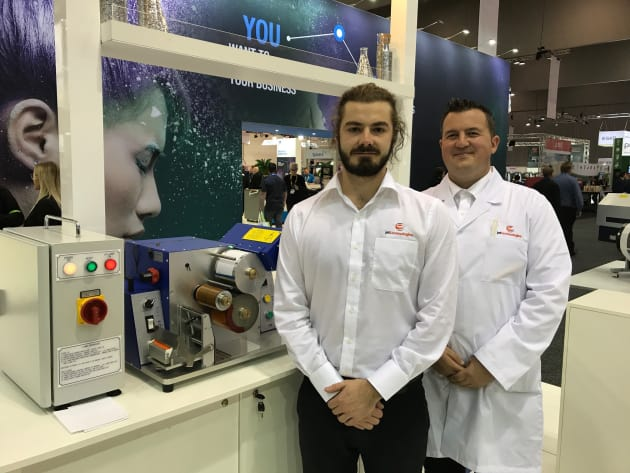 Dominic Farnell (left) and James Montgomery (right) demonstrated the new Pure Tone FPC UV ink sytem on the Jet Technologies stand at PacPrint 2017.