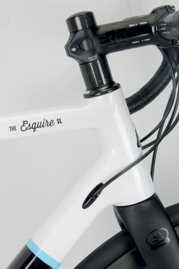 Reasonably compact headtube allows for aggressive positioning if required.