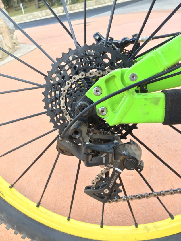 You'd expect somebody like Sam to be gifted with all of the best gear but his bike was running an X1 derailleur from SRAM's more affordable 1X11 groupset.