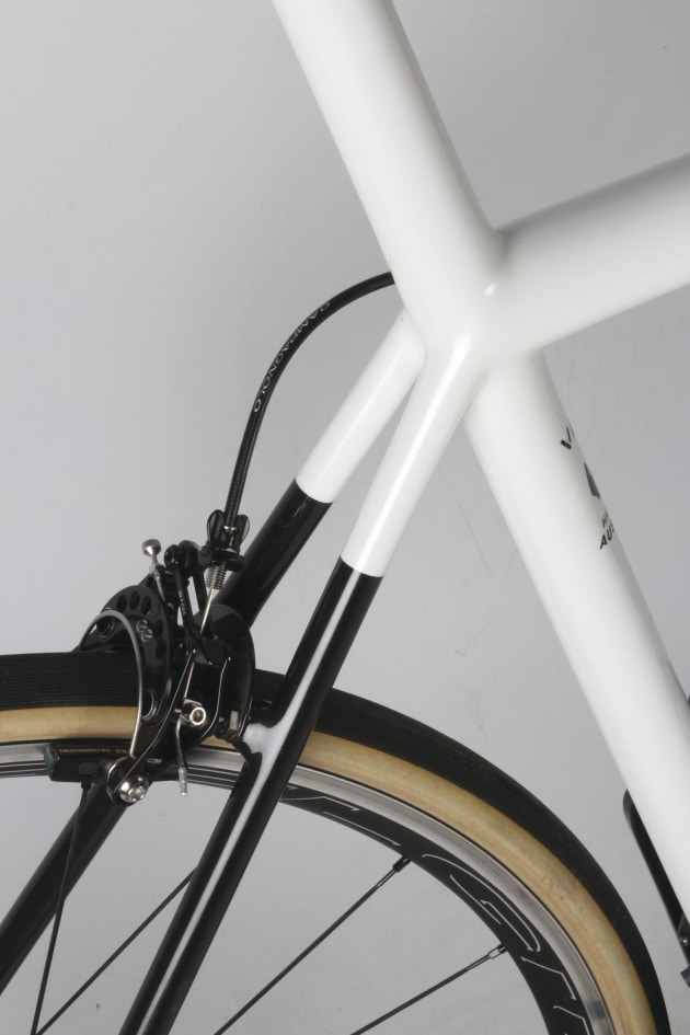 Vale - A Bespoke Carbon Australian Made Bike - Bicycling Australia