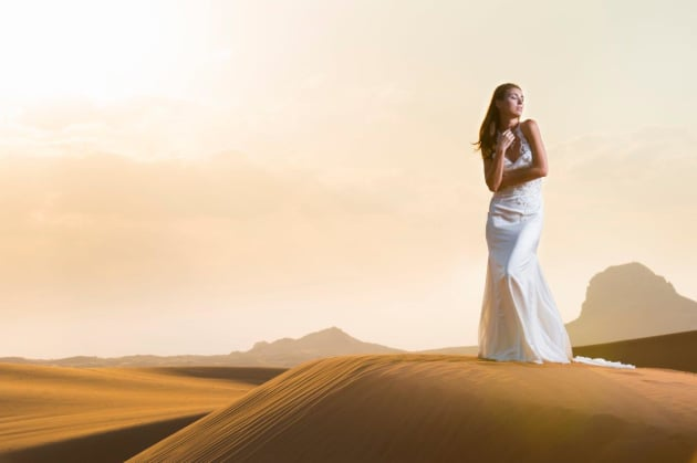 Just outside Dubai for the launch of the Nikon D750, using Elinchrom Ranger RX with a beauty dish modifier. © Brett Florens.