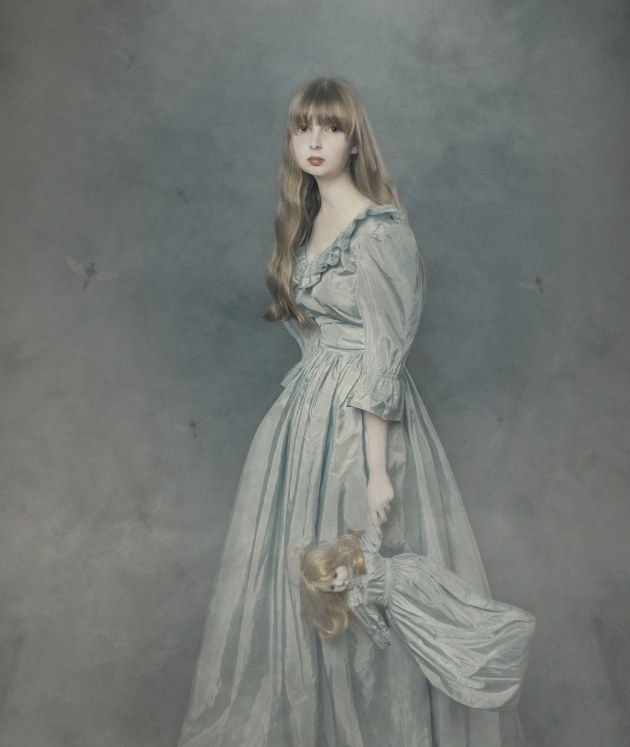 © Naomi Bubner APP M.Photog. 2019 AIPP SA Portrait Photographer of the Year. Pretty dolly, with porcelain skin,