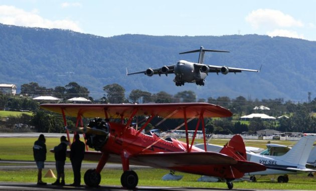 An RAAF C-17 Globemaster approaches the Albion Park runway. (Steve Hitchen)