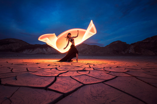 Light-painting at the Mud Cracks, Death Valley, California, with Kim Henry. © Eric Paré.