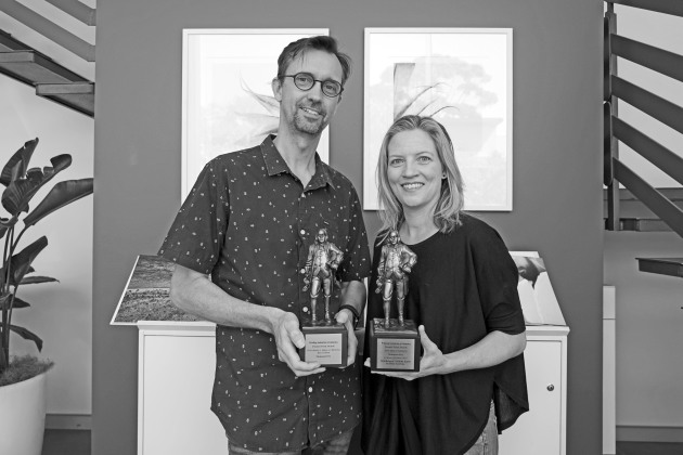 Geoff Hunt and Libby Jeffery (Momento co-founders with James Whitwell) with the awards.