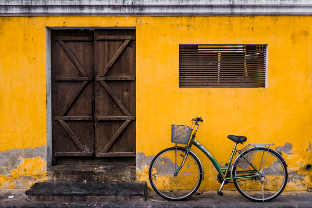 A very simple yet rather iconic image of Hoi An, in Central Vietnam. Shooting with the Fujifilm X100S meant I could make adjustments in camera and see them in live view through the EVF, which saved me a lot of time chimping and post-processing. Fujifilm X100S, fixed 35mm f/2 @ 35mm, 1/125s @ f2, 640 ISO, handheld. Slight 3:2 crop, lens correction, curves and saturation adjustment in Adobe Photoshop CC.