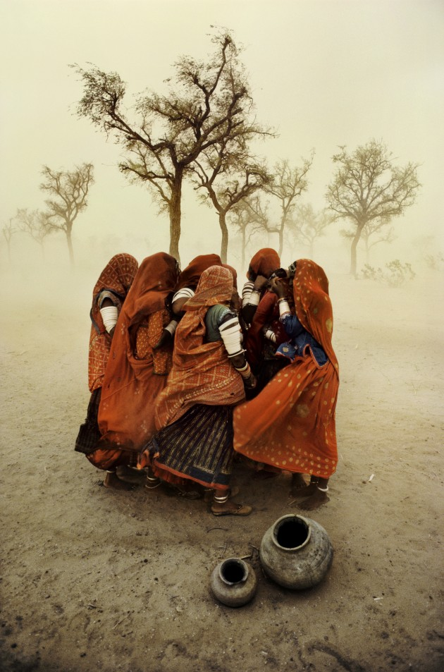© Steve McCurry. Dust Storm, Rajasthan, India 1983.