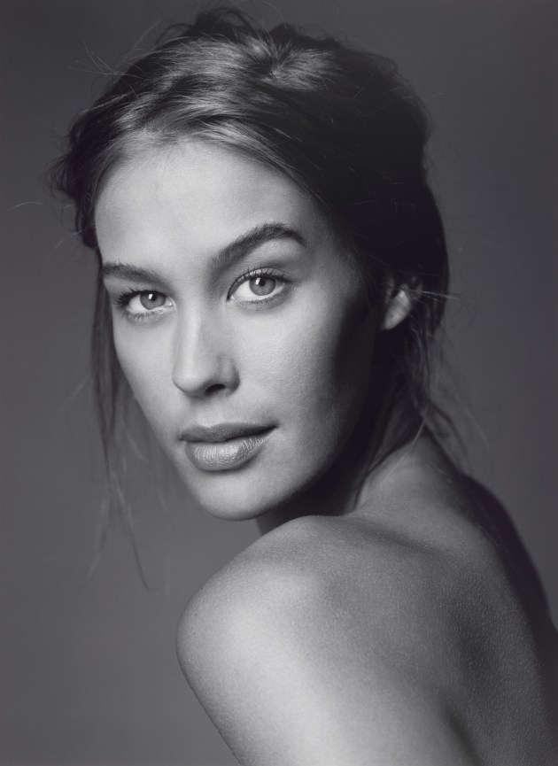 Megan Gale, 2002 by Ellen Dahl. Collection: National Portrait Gallery, Canberra.