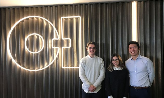 L-R: Monash University students Harrison Young and Katelin Eichner with Gavin Wong, O-I design engineering lead.