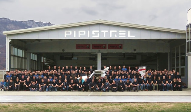 The Pipistrel team with the 1000th Sinus/Virus. (Pipistrel)