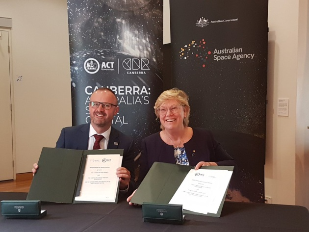 Space Agency head Megan Clarke and ACT Chief Minister Andrew Barr at the signing. ASA via Twitter