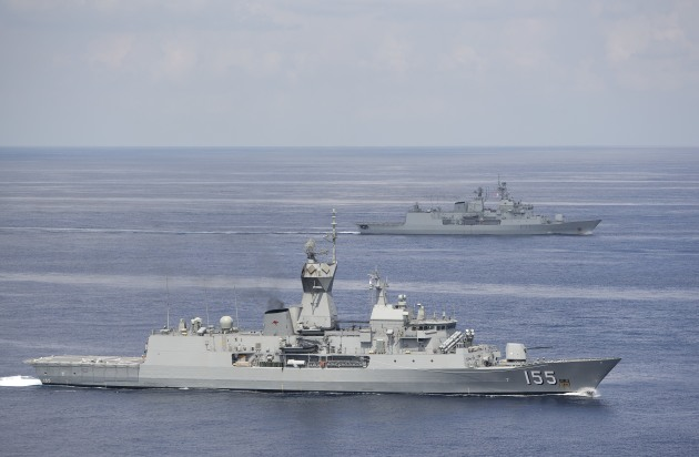 HMAS Ballarat and HMNZS Te Kaha in formation. Credit: Defence
