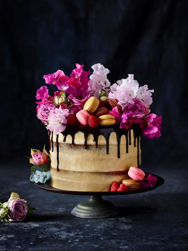Personal naked cake project in collaboration with pastry chef, Jun Chen. Food styling by Jun Chen. © Tanya Zouev.