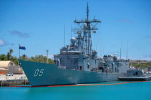 HMAS Melbourne makes final return to Australia