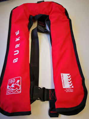 "Lifejacket standards ""grace period"" set to end"