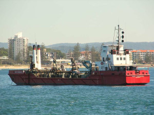 Coomera River dredging operation underway