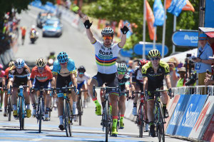 TDU Latest: Peter Sagan Surges To Victory In Blistering 45 Degree Heat