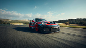 Porsche approves Cromax
