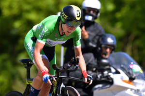 Van Vleuten Drops Chain, Still Wins Giro Rosa Individual Time Trial